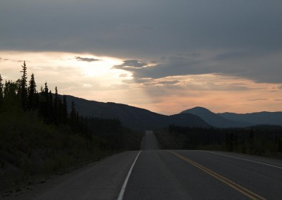 alaska-highway-north-of-whitehorse